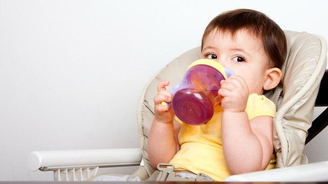 Berapa Jumlah Kebutuhan Air pada Anak? (8)
