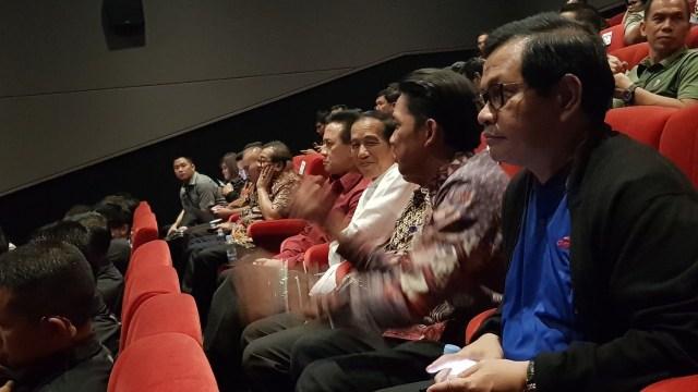Jokowi Nonton Film Yowis Ben Di Malang Town Square Kumparan Com