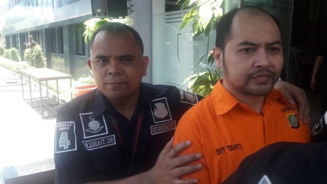 Arseto resmi ditahan