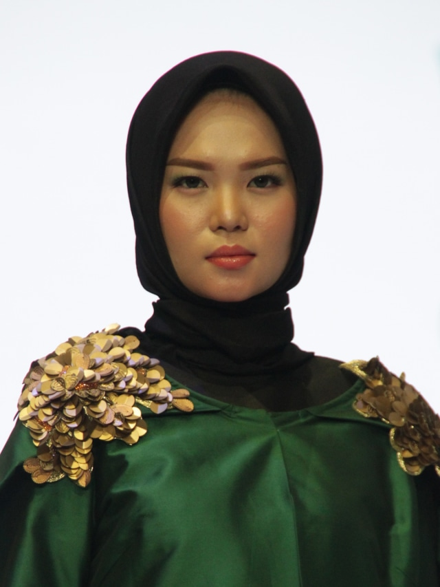 Wardah Tren Makeup