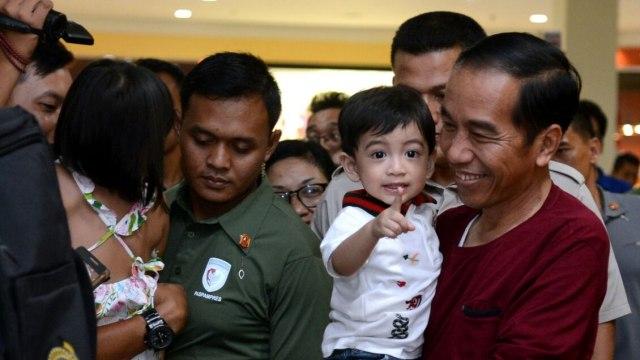 Jokowi Ajak Jan Ethes Liburan
