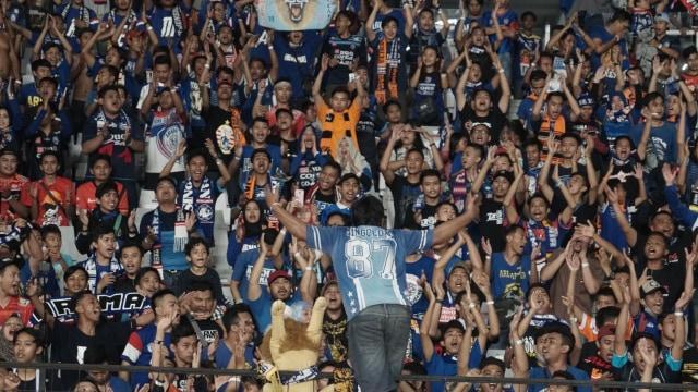 Cinta Aremania yang Terbelah di Antara Arema FC dan Arema Indonesia (170981)