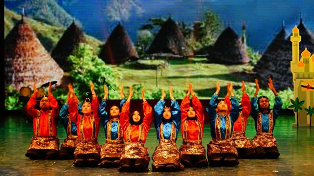 Pertunjukan seni pelajar Indonesia di China.