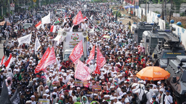 Alumni 212: Agar Negara Tetap Aman, Hukum Sukmawati (1076901)
