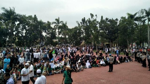 Aksi bela Islam di Medan.
