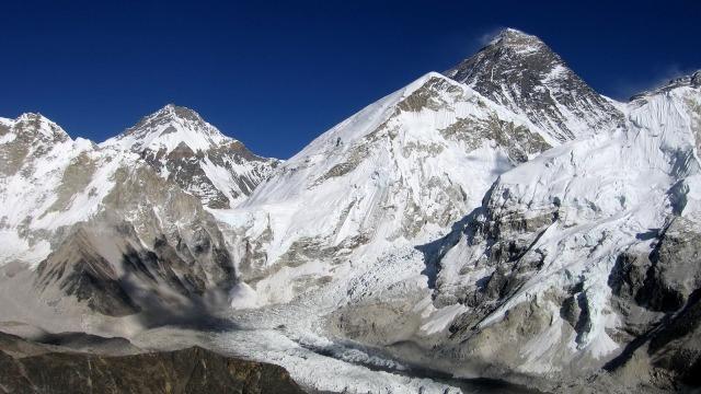 Ketika Gunung Everest Jadi Tempat Sampah Orang-Orang Kaya (340590)