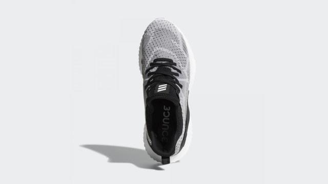 adidas Rilis Sepatu Khusus untuk Tingkatkan Performa Atlet (1145294)