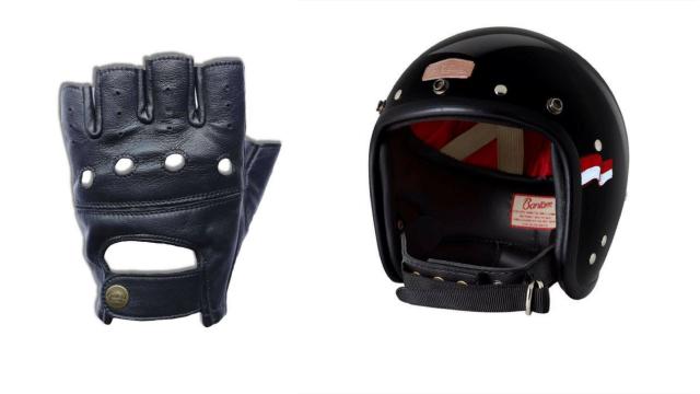 Helm dan Sarung Tangan Elders