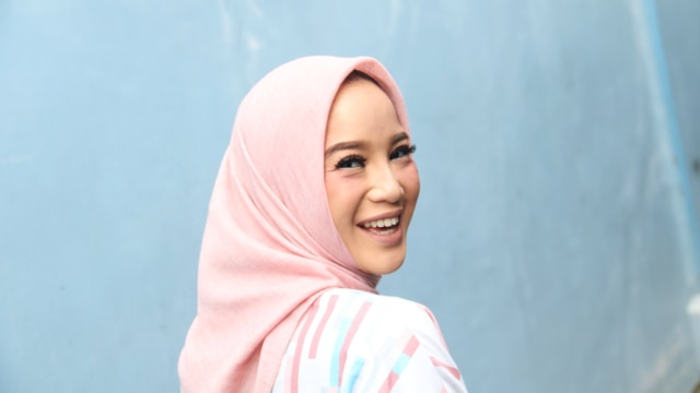 Sontek 7 Gaya Hijab Chacha Frederica untuk Tampilan di Tiap Kesempatan (67684)