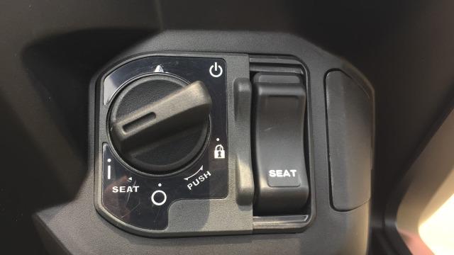 Penjelasan AHM Soal Cover Kunci Jok Honda ADV 150 dan Vario yang Mudah Hilang (101163)