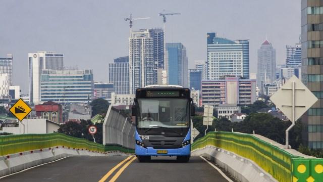 Selama PPKM Darurat, Kendaraan Bermotor Ini Boleh Melintas di Jalur Transjakarta (692)