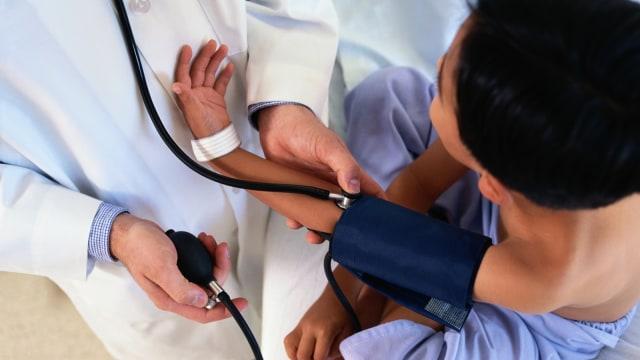 Anak Sering Mengeluh Sakit Kepala, Mungkinkah Alami Hipertensi? (222)