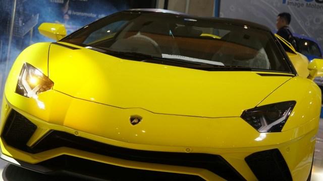 Peluncuran Lamborghini Aventador S Roadster.