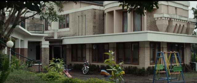 'Kembang Kantil': 'Amburadul' dalam Segala Aspek (2986)