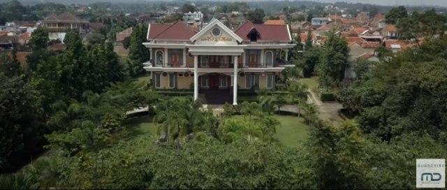 'Kembang Kantil': 'Amburadul' dalam Segala Aspek (169942)
