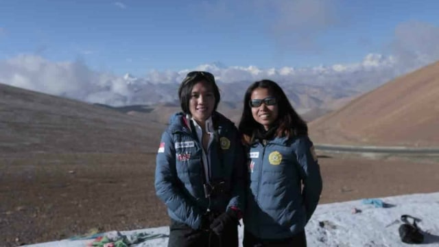Dua Srikandi Indonesia Siap Menapakkan Kaki di Puncak Everest (30870)