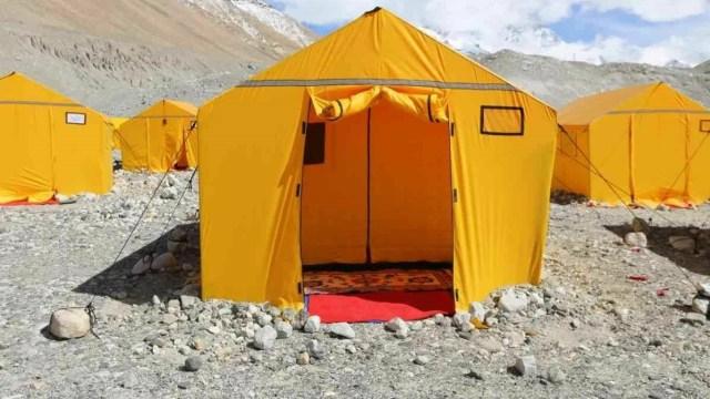 Dua Srikandi Indonesia Siap Menapakkan Kaki di Puncak Everest (30871)