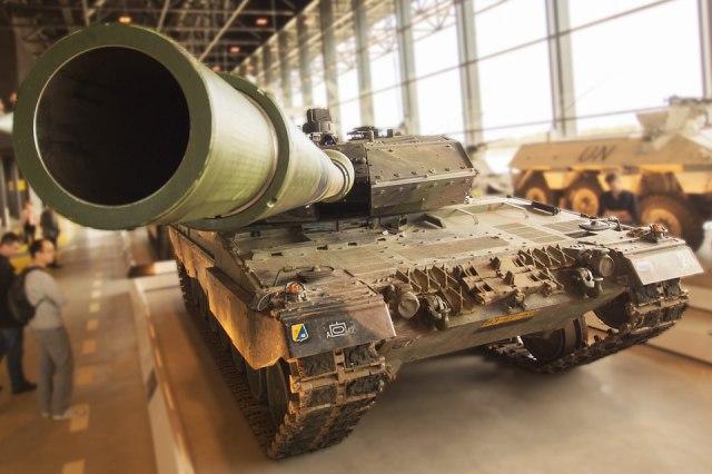 Pomdam Siliwangi Selidiki Unsur Kelalaian di Kasus Tank TNI Tabrak Gerobak Tahu (271315)