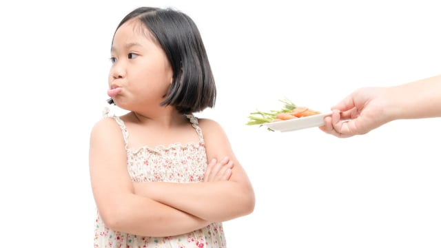 Ilustrasi anak menolak makan.