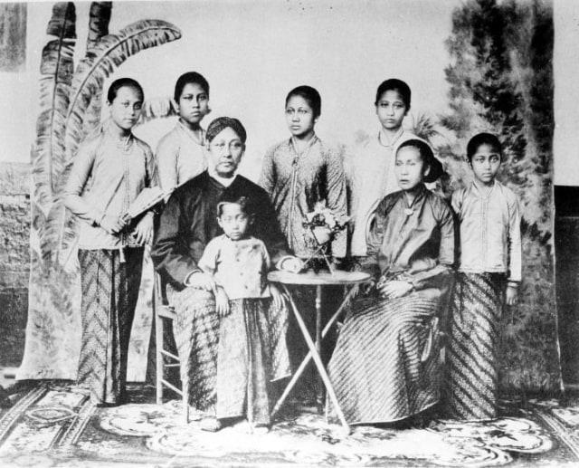 Sejarawan Ragukan Keaslian Foto Kartini Berkerudung (388438)