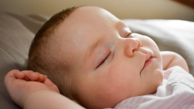 Ilustrasi Bayi Tidur Nyenyak