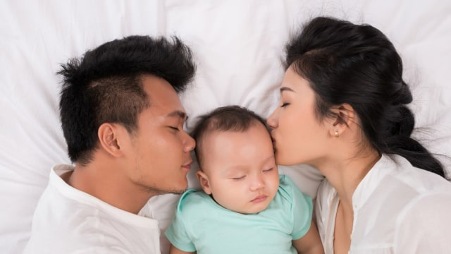 Ilustrasi Orang Tua Baru dan Bayinya