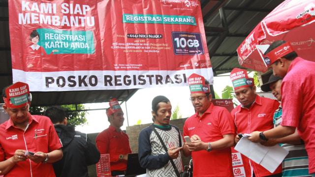 Posko registrasi SIM card Telkomsel