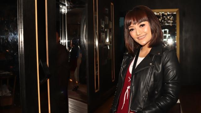 Siti Badriah: Maaf Kalau Ada Salah atau Menyakiti Hati Syahrini (25736)