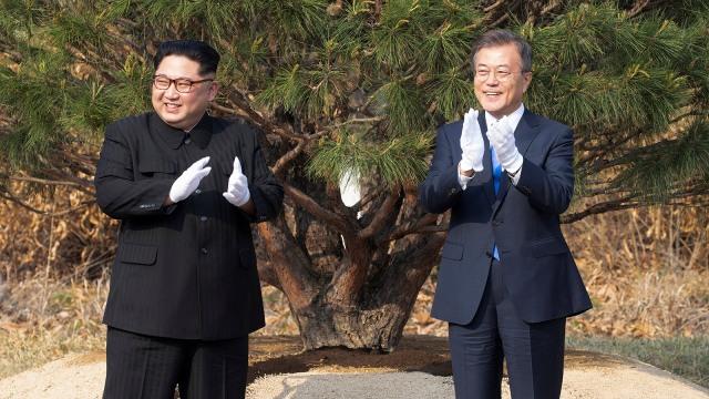 Pertemuan Kim Jong-un dan Moon Jae-in