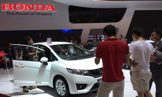 Berita Populer: Harga Honda Jazz Bekas; Denda Mobil dan Motor Masuk Jalur Sepeda (130959)