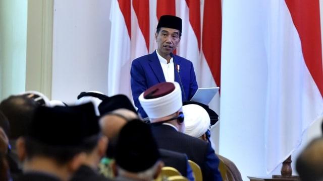 Jokowi di acara KTT Ulama Dunia di Istana Bogor.