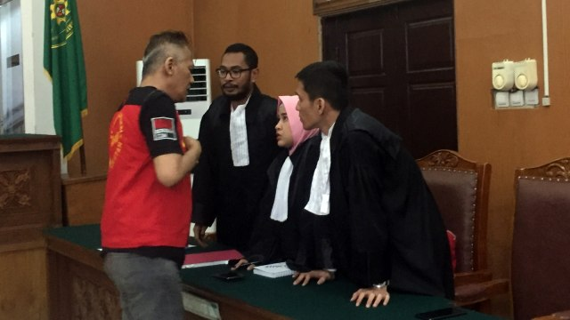 Tio Pakusadewo di PN Jakarta Selatan.