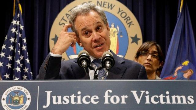 Lecehkan 4 Wanita, Jaksa New York Mundur (648694)