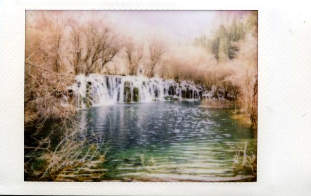 Foto Air Terjun Dengan Instax