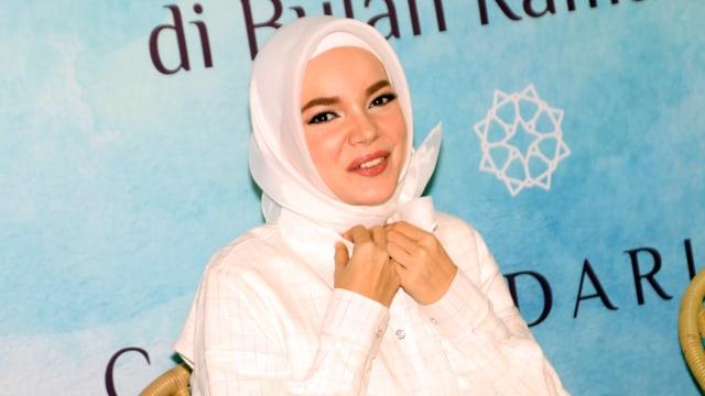 Pernah Jadi Korban Pelecehan, Dewi Sandra Dukung Para Wanita Speak Up (438235)