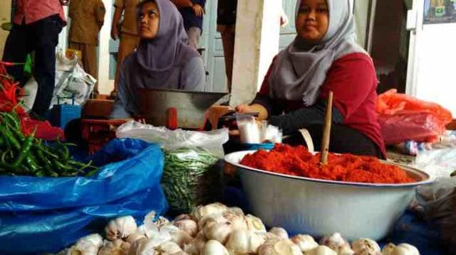 Disperindag Sumbar Siapkan 11 Titik Pasar Murah Selama Ramadhan (499053)
