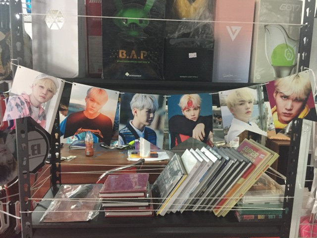 Merchandise K-Pop