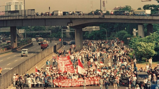 Beda Sikap Masyarakat pada Demo Mei 1998 dan Mei 2019 (41048)