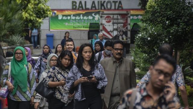 Aturan Sudah Diteken Jokowi, Gaji ke-13 PNS Segera Cair (127670)