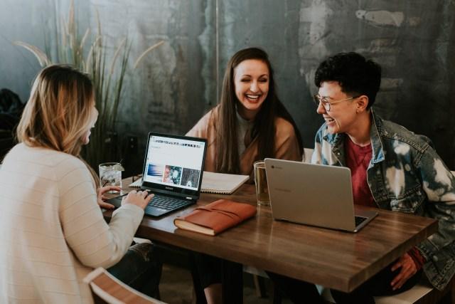 Pilih Bekerja Dengan Gaji Kecil Atau Menganggur Saja?