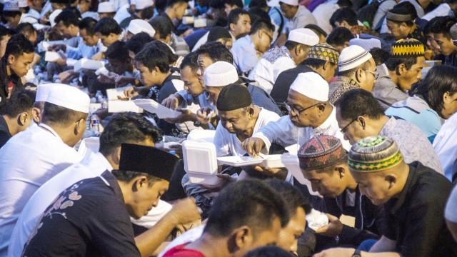 Berbuka puasa di Masjid Istiqlal