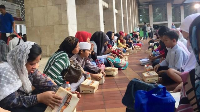 Ngabuburit di Istiqlal