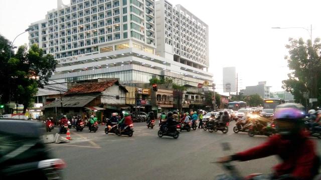Sandi Tegaskan Simpang Mampang Tetap Akan Ditutup Perlahan (250067)