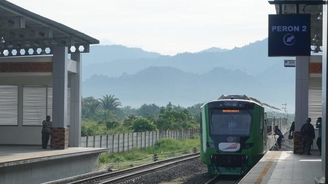 Stasiun Bandara Internasional Minangkabau, Padang.