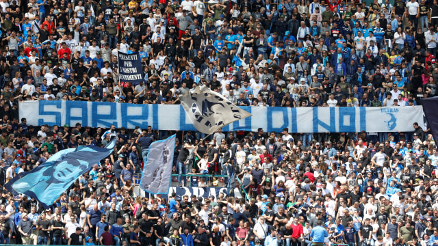 Buat Suporter Napoli: Jangan Banyak Menuntut jika Beli Jersi Palsu (313510)