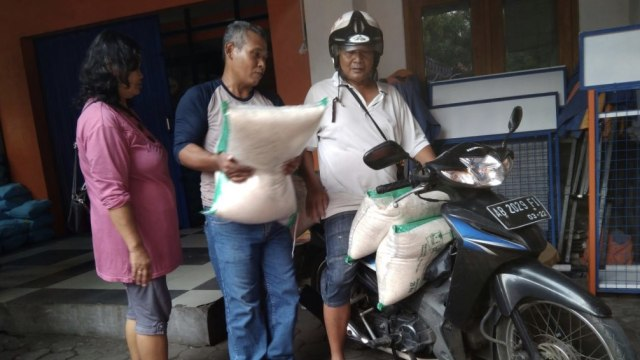 Bulog Lakukan Operasi Pasar untuk Stabilkan Harga Pangan di Yogyakarta (19516)