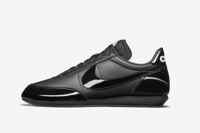5 Sneaker Nike Berwarna Hitam yang Aman Dipakai ke Sekolah (325957)