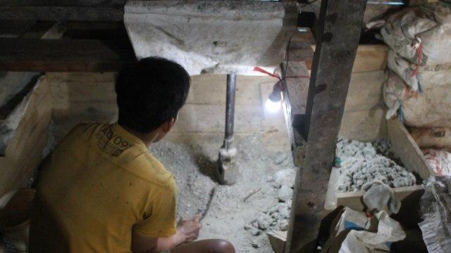 Emas Bermerkuri Menggetarkan Kampung Adat Cisitu Banten (44705)