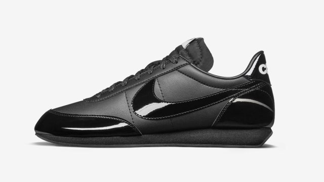 5 Sneaker Nike Berwarna Hitam yang Aman Dipakai ke Sekolah (325956)