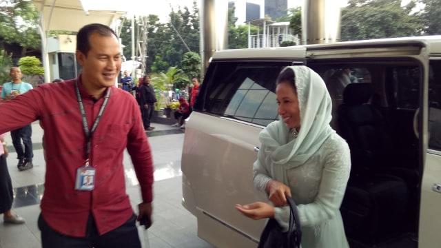 Menteri BUMN Rini Soemarno sambangi KPK